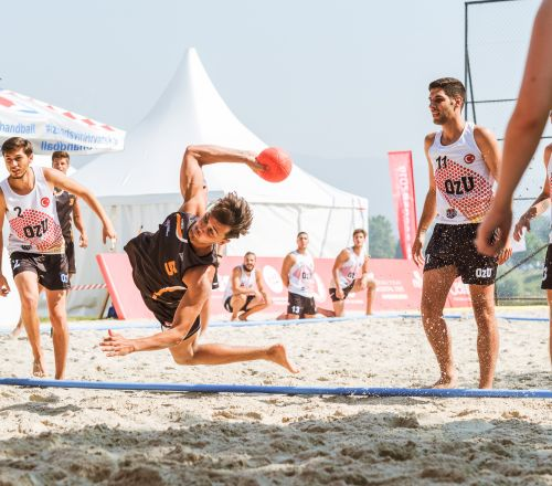 The historic matches of the first European beach handball championship were played